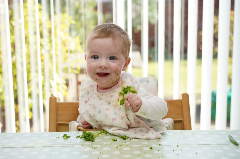 Healthy nutrition for babies and mums